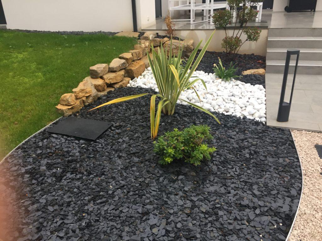 Amenagement Exterieur Galet Blanc terrain de petanque privé dans votre jardin - piscines-hdp