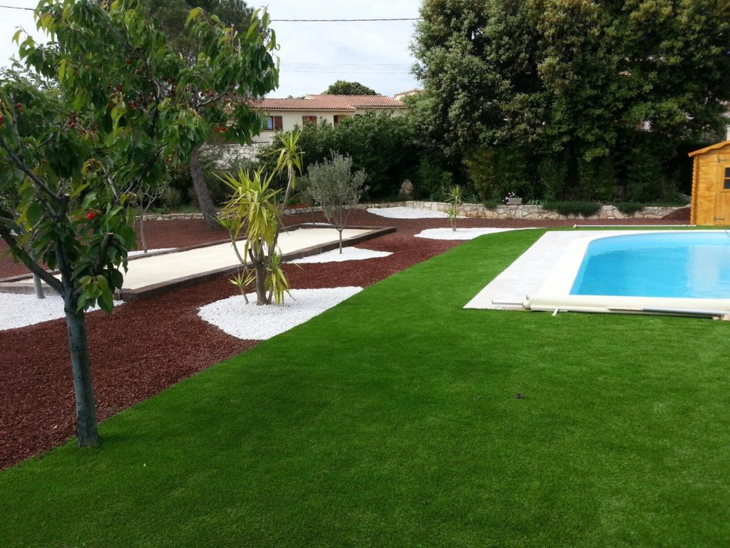 Pose De Gazon Synthetique Amenagement Jardin Piscines Hdp