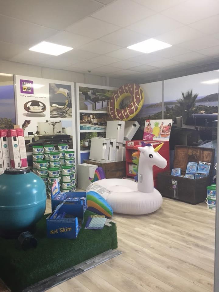 boutique vente matériel et accessoires piscines