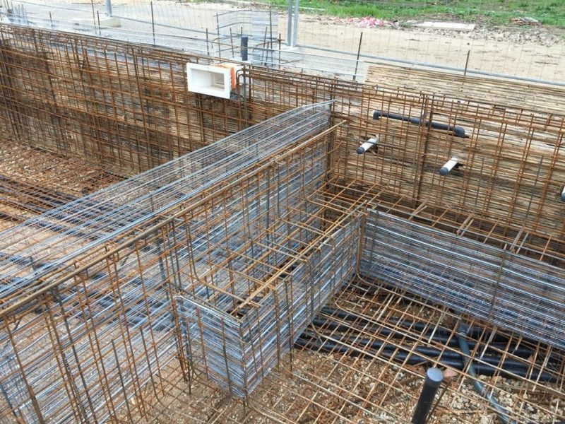 fondation piscine béton projeté