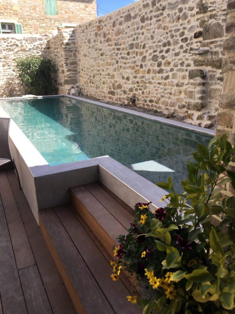 Prix D Un Couloir De Nage piscine couloir de nage en béton : dimension, prix et devis