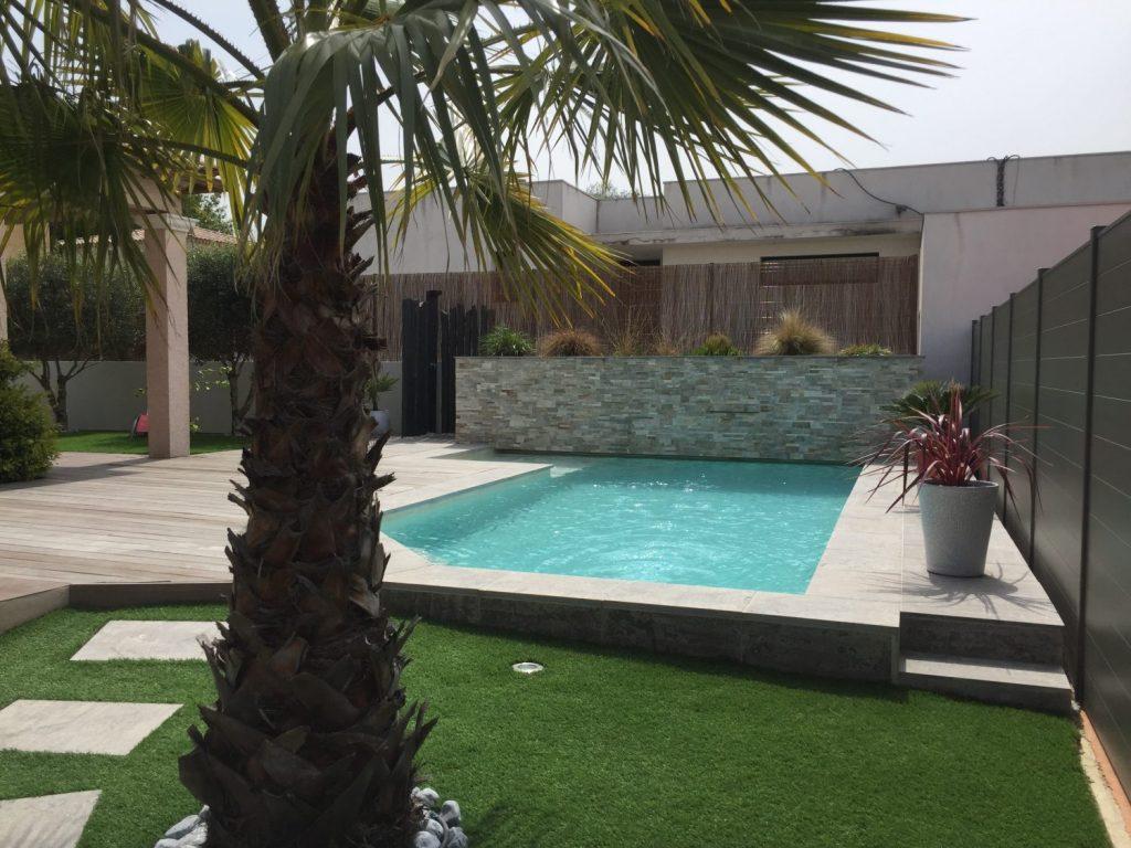 Constructeur De Piscine Montpellier piscine contemporaine en béton : prix, coût et construction