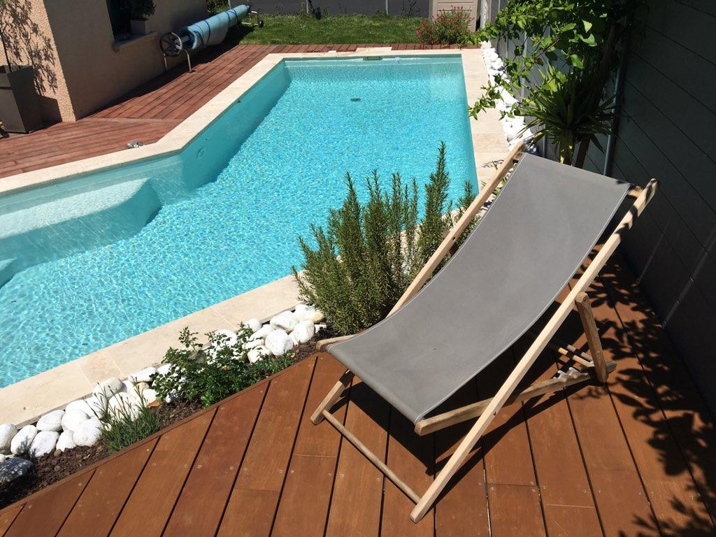 Piscine Bois Avec Terrasse piscine béton projeté : conception de piscine sur mesure
