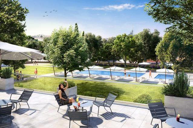 terrasse avec piscine en beton projete
