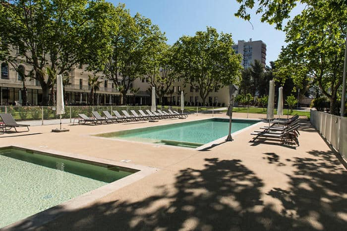 piscine en beton projete pour hotel